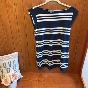 A pea in the pod maternity navy top